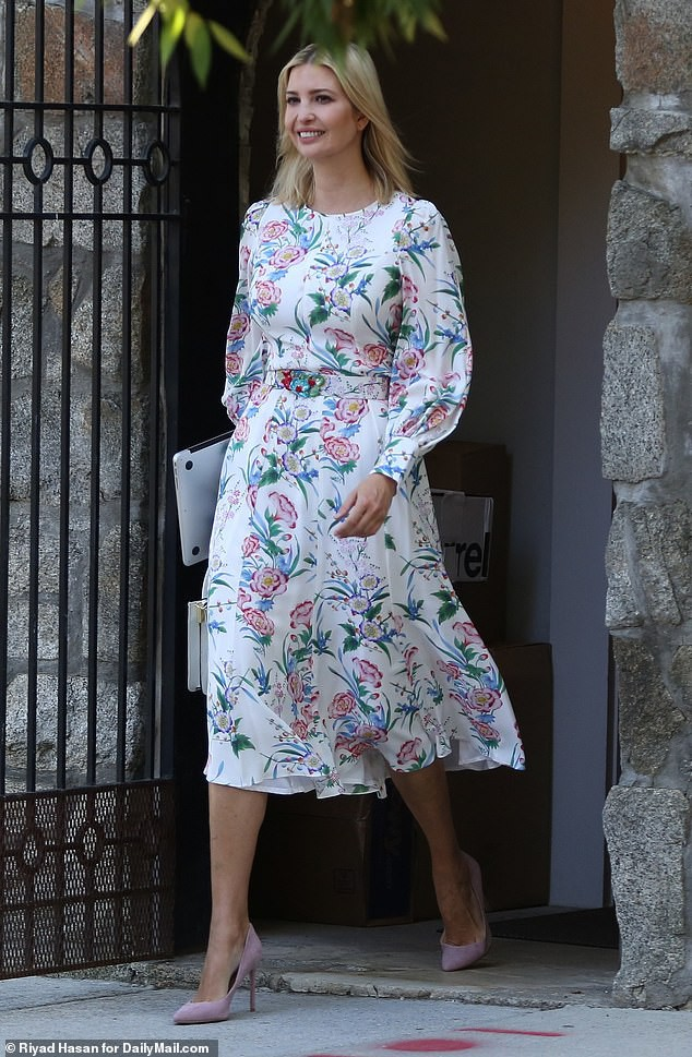 17838332-7407735-On_the_go_Ivanka_Trump_was_seen_stepping_out_of_her_Washington_D-a-132_1567098815671