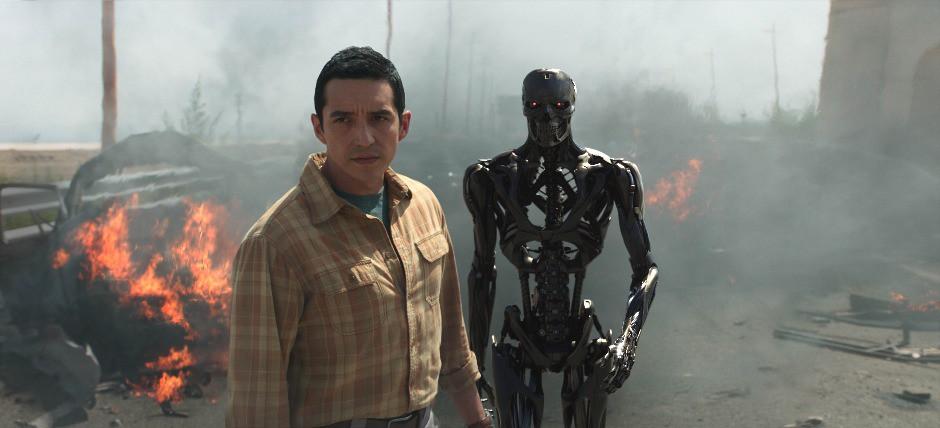 """""""Kẻ hủy diệt: Vận mệnh đen tối"""" tung trailer kịch tính không thể không xem - Ảnh 3."""