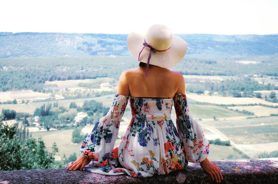 """""""Sướng lắm, đi chơi còn được tiền"""" - nhận định phiến diện và những góc khuất trong nghề travel blogger ít ai biết - Ảnh 1."""