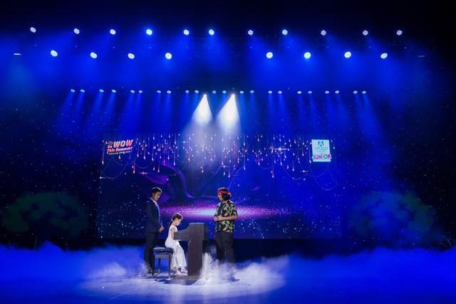 Thần đồng âm nhạc Jayden Trịnh góp mặt tại đêm gala cực wow của Apollo English - Ảnh 2.