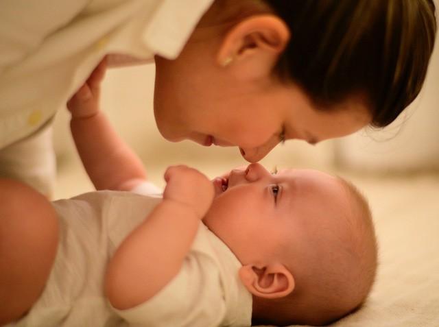 Mẹ chọn tã sơ sinh đúng chuẩn giúp bé tròn giấc cả đêm - Ảnh 1.