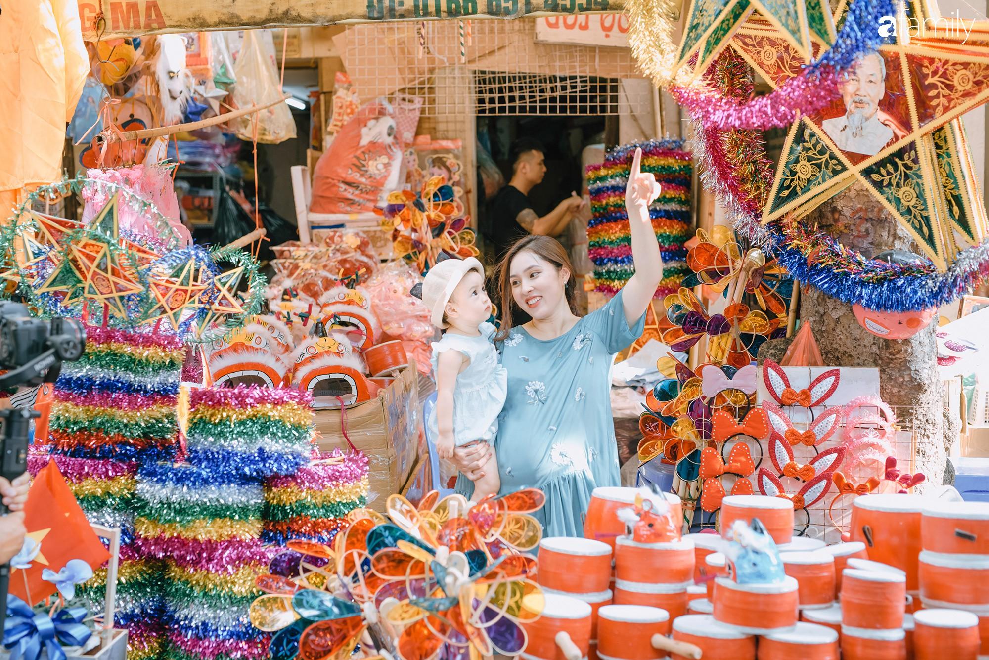 Tinh tế, cầu kỳ như Trung thu truyền thống của người Hà Nội: Chừng nào người lớn còn mặn nồng, truyền thống làm sao mà nhạt được - Ảnh 15.