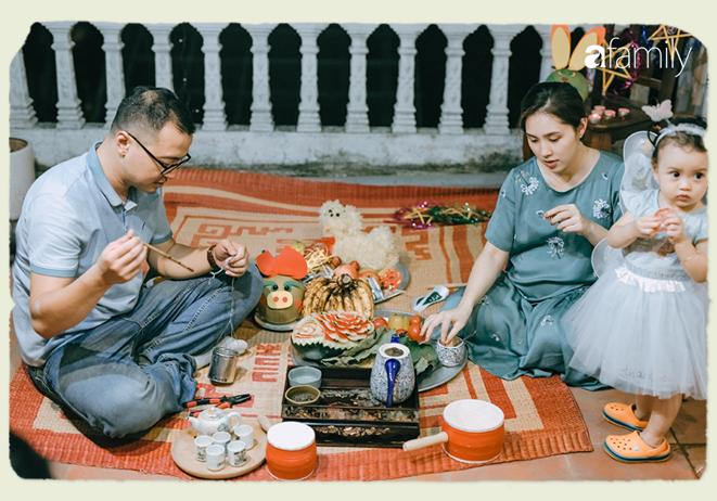 Tinh tế, cầu kỳ như Trung thu truyền thống của người Hà Nội: Chừng nào người lớn còn mặn nồng, truyền thống làm sao mà nhạt được - Ảnh 17.