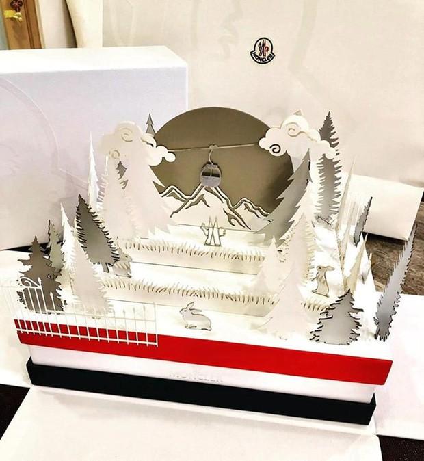 Ngắm tận mắt hộp bánh Trung thu của các nhà mốt nổi tiếng thế giới, ăn vào cũng thấy sang hết cả người - Ảnh 12.