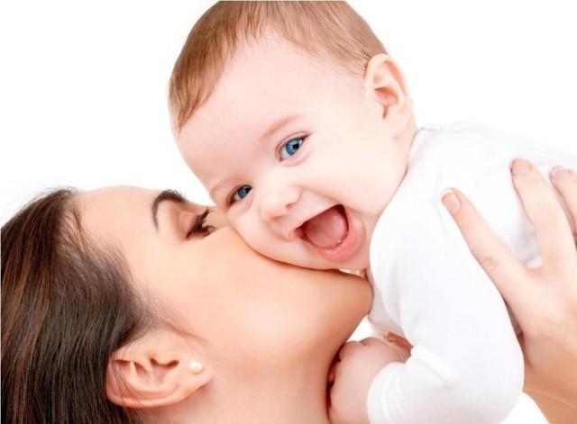 Tuyệt chiêu tăng sức đề kháng cho bé ngày giao mùa - Ảnh 1.