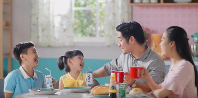 Bác sĩ dinh dưỡng chỉ ra 2 cách chuẩn bị bữa sáng lành mạnh, cân bằng cho trẻ - Ảnh 3.