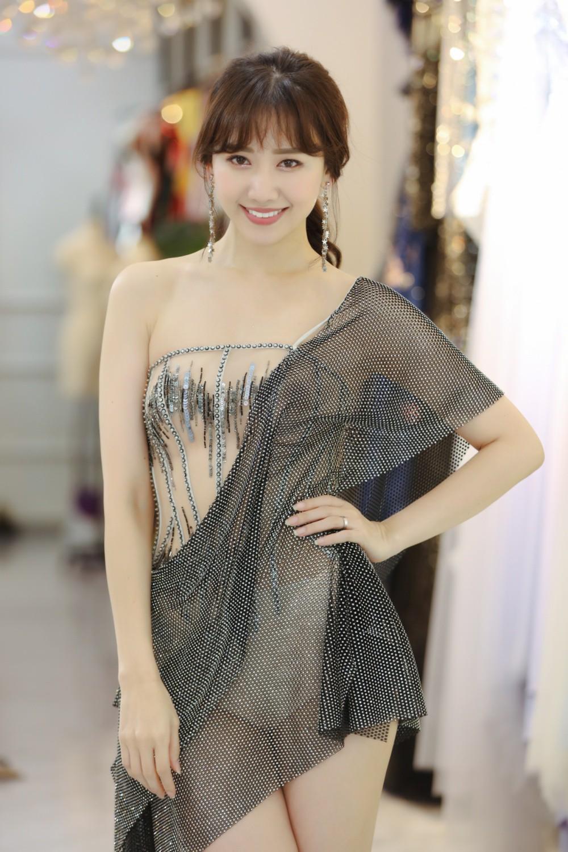 Hari Won chi hàng trăm triệu tiền trang phục cho concert đầu tiên trong sự nghiệp ca hát