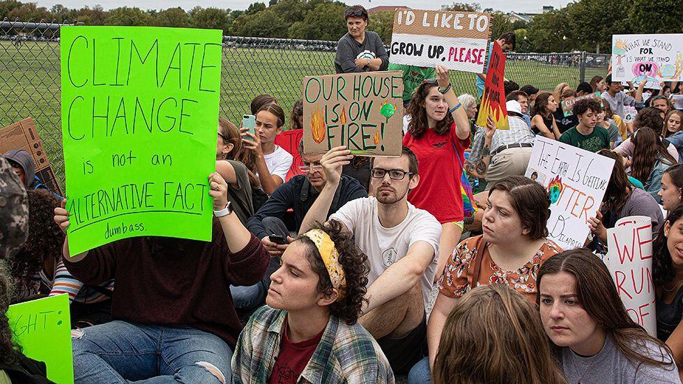 Bức xúc trước sự thờ ơ của chính phủ trước nạn biến đổi khí hậu, giới trẻ Canada đồng loạt cam kết không sinh con - Ảnh 5.