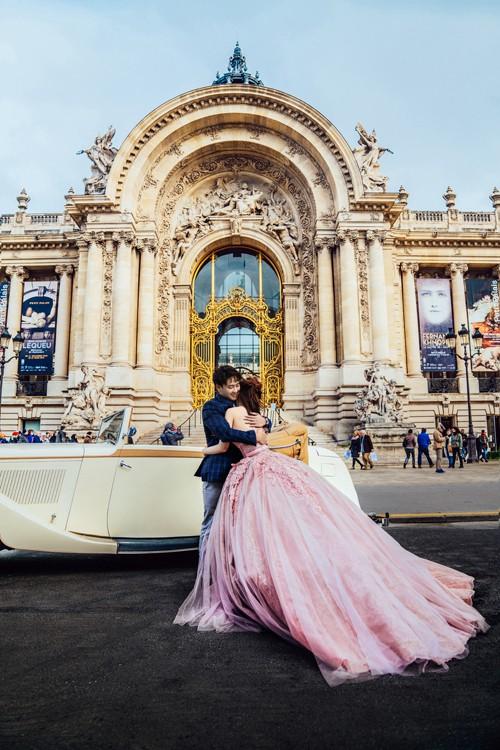 Nàng Rich kid Giang Lê tung bộ ảnh cưới xuất sắc tại Paris, chú rể hóa ra từng là người tình tin đồn của Angela Phương Trinh - Ảnh 2.