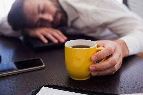 Dấu hiệu nhận biết thiếu ngủ và biện pháp khắc phục tình trạng này - Ảnh 3.