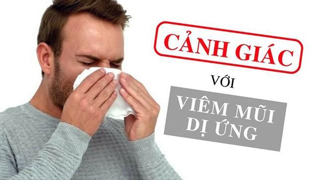 Viêm mũi dị ứng: Triệu chứng, yếu tố tăng nguy cơ và những người dễ bị viêm mũi dị ứng trong thời điểm giao mùa - Ảnh 1.