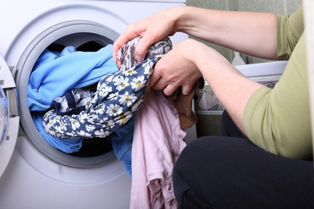 Top 4 hiểu lầm thường gặp của các mẹ về nước giặt quần áo - Ảnh 3.