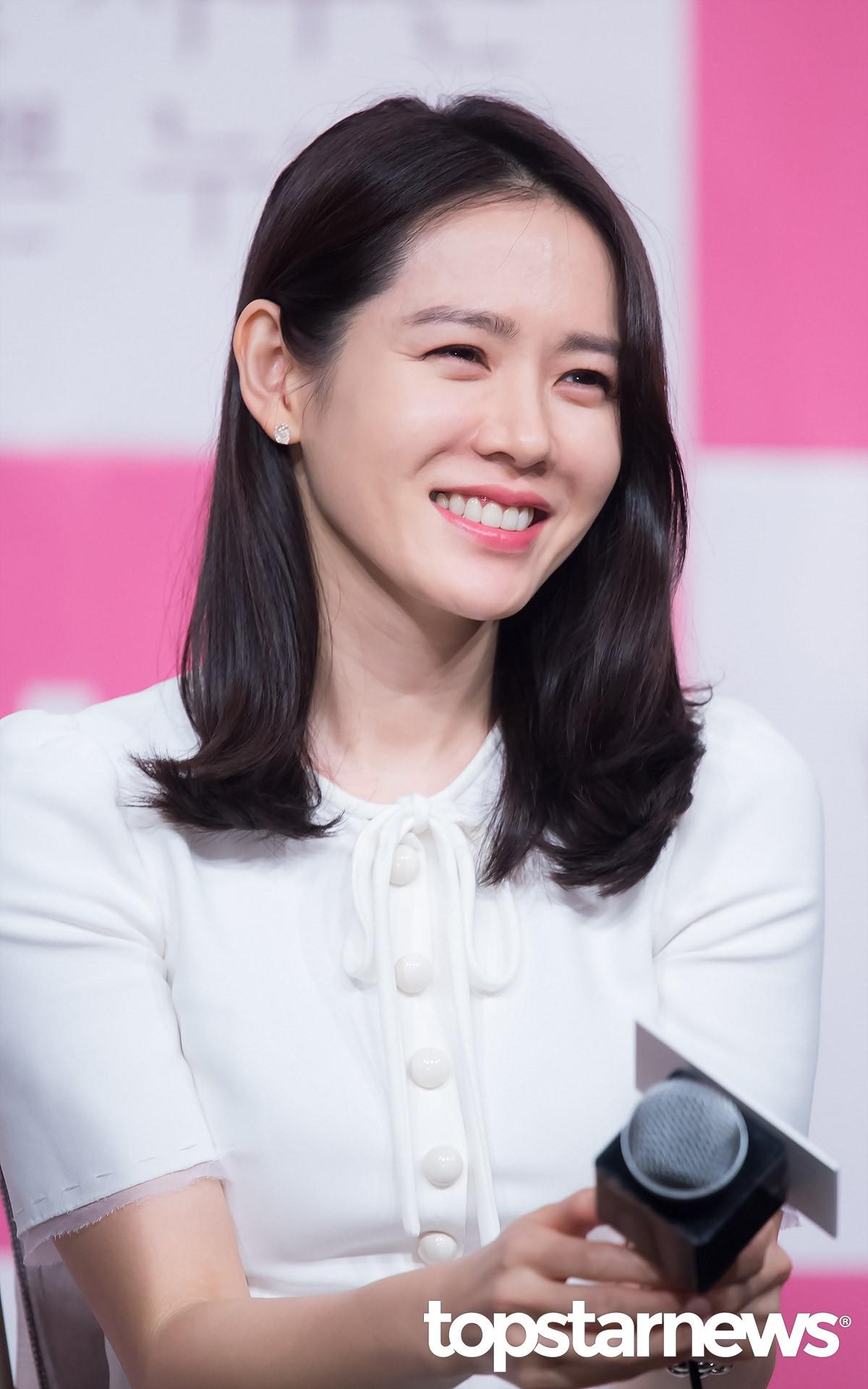 lee-min-ho-gui-tang-xe-ca-phe-ung-ho-chi-dep-son-ye-jin-087ad5