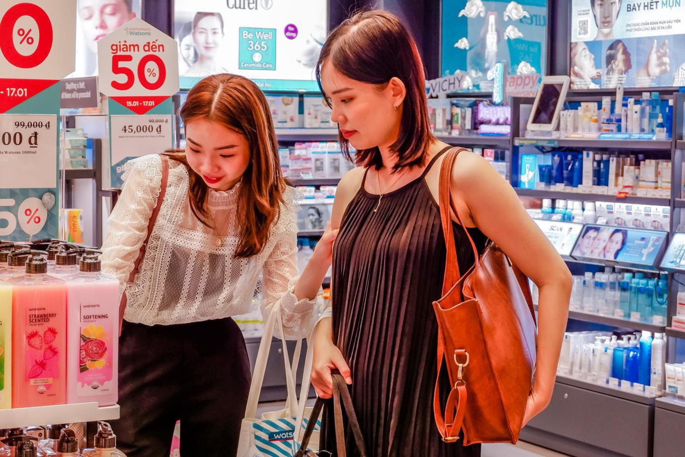 Kỉ niệm 1 năm có mặt tại Việt Nam, Watsons tri ân khách hàng với Private Sales xịn sò - Ảnh 2.