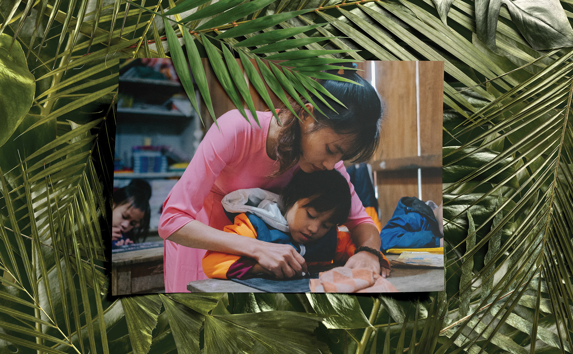 """Lên đỉnh trời Ngọc Linh gặp cô giáo dành cả thanh xuân """"gùi chữ qua đèo"""" cho tụi nhỏ: Dù ở núi hay phố, đâu cũng có niềm vui và hạnh phúc! - Ảnh 11."""