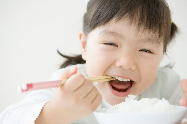 Kết quả hình ảnh cho bé ăn ngon