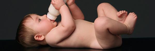 Hỏi về cách trộn sữa bột vào cháo cho bé