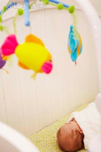 Càng tiếp xúc với nhiều màu sắc trẻ càng lanh lợi