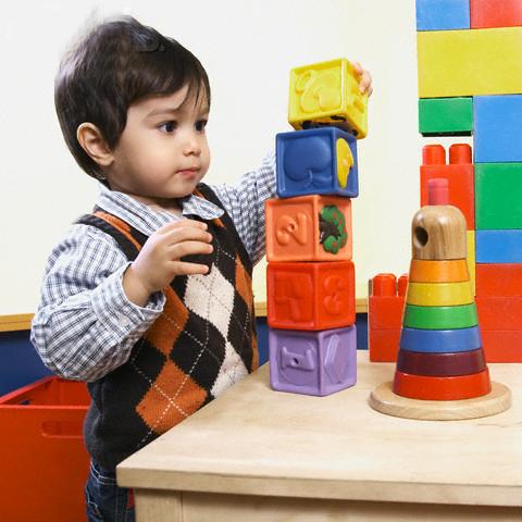 Kết quả hình ảnh cho những lưu ý khi chon mua đồ chơi cho trẻ