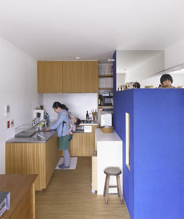 120806afamilyNDgiai phap doc dao cho khong gian nho%20%288%29 adacc Học hỏi giải pháp tối ưu hóa không gian cho phòng trẻ
