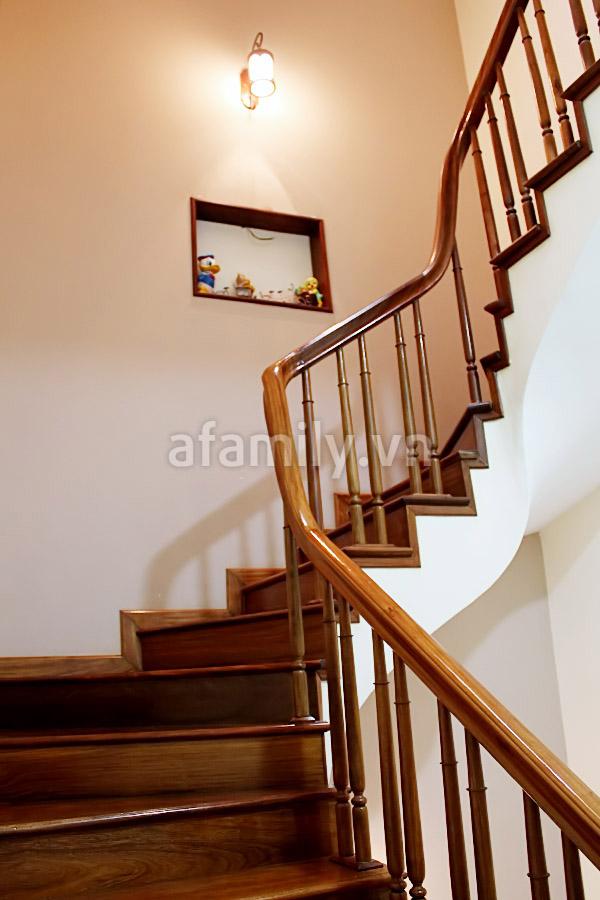 Nhà bền màu với thời gian nhờ sắc gỗ
