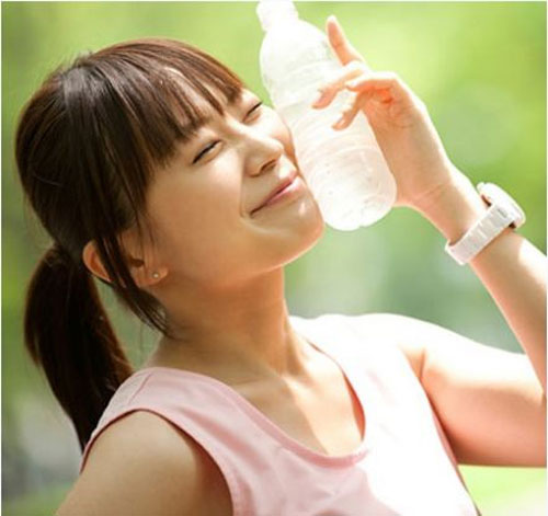 5 bí mật về nước uống hàng ngày