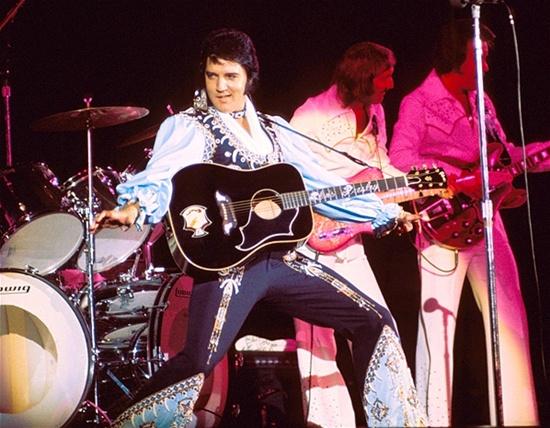 Những bí mật chưa từng được tiết lộ của Elvis Presley
