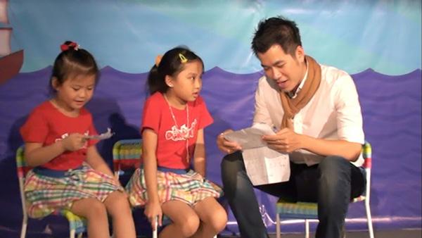 Thí sinh Đồ Rê Mí học hát tiếng Anh