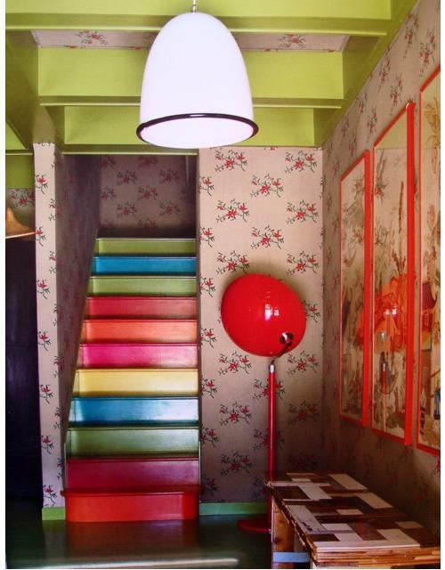 trangtricauthang10 68484 Bí quyết trang trí cầu thang tạo điểm nhấn cho ngôi nhà