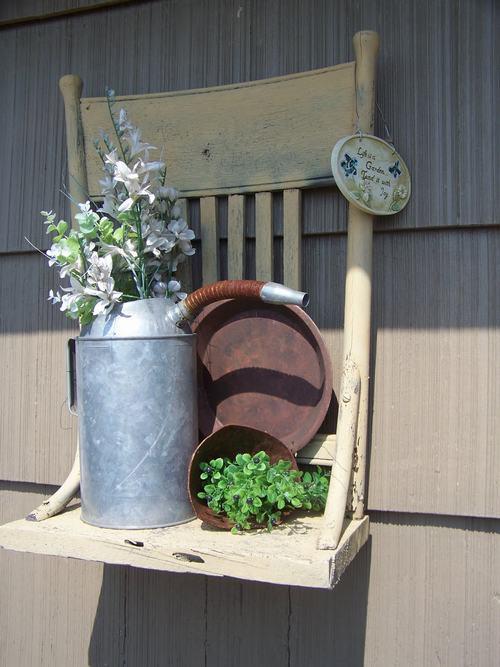 5 ý tưởng hô biến ghế cũ thành khu vườn mini