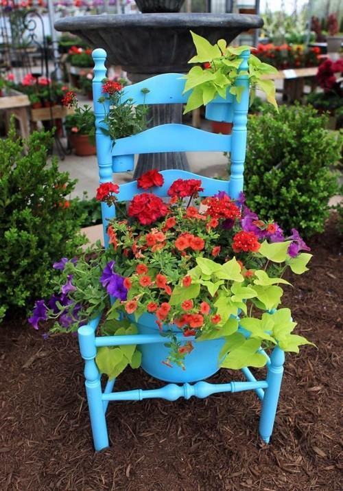 5ideastotransformoldchairsintobeautifulminigardens3500x715 96553 5 ý tưởng hô biến ghế cũ thành khu vườn mini