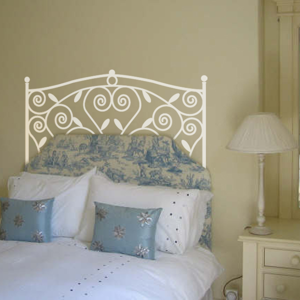 decorettostickersinbedroom1 fd737 Ngôi nhà của bạn sẽ trở nên bắt mắt hơn với sticker dán tường