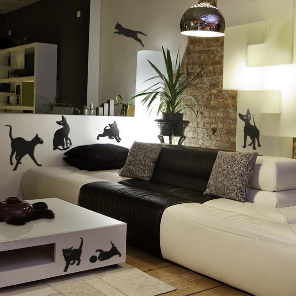 decorettostickersinlivingroom21 fd41a Ngôi nhà của bạn sẽ trở nên bắt mắt hơn với sticker dán tường