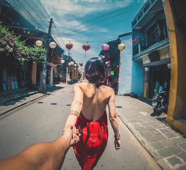 Đây chính là bộ ảnh Nắm tay em đi khắp thế gian phiên bản Việt đẹp và lãng mãn nhất! - Ảnh 1.