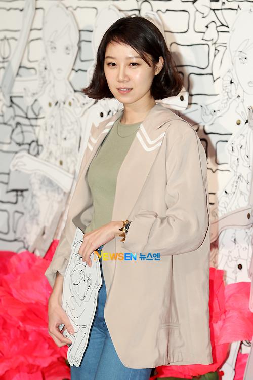 Gong Hyo-jin: Nữ diễn viên mặc đẹp nhất nhì showbiz Hàn 7