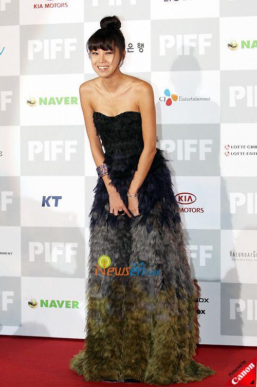 Gong Hyo-jin: Nữ diễn viên mặc đẹp nhất nhì showbiz Hàn 19