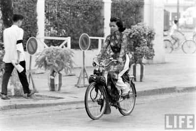 Chùm ảnh cuộc sống phóng khoáng của phụ nữ Sài Gòn những năm 60 2