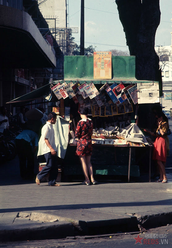 Chùm ảnh cuộc sống phóng khoáng của phụ nữ Sài Gòn những năm 60 8