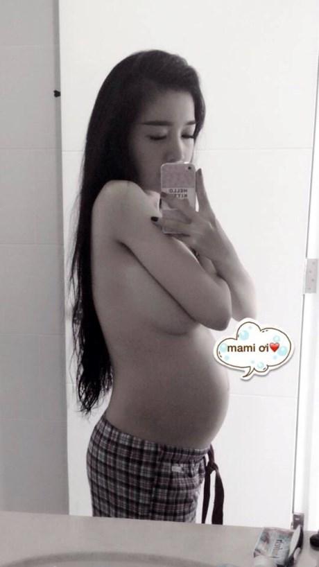 Hình ảnh Elly Trần mang thai lần một: bé Cadie Mộc Trà.
