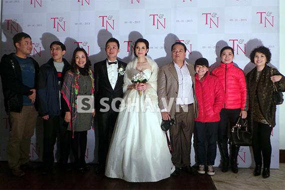 MC Anh Tuấn cưới vợ kém 14 tuổi 10