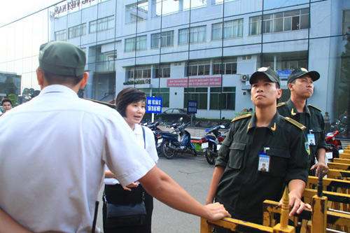 """Những hình ảnh đầu tiên của """"chàng trai kỳ diệu"""" Nick Vujicic tại Việt Nam 8"""