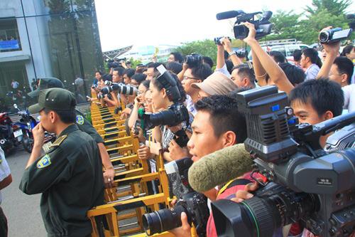"""Những hình ảnh đầu tiên của """"chàng trai kỳ diệu"""" Nick Vujicic tại Việt Nam 7"""