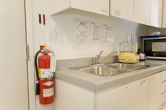 8 mẹo nhỏ giúp nhà bếp luôn gọn gàng sạch sẽ 8
