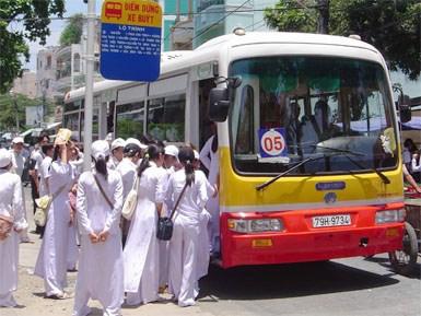 """Nhà văn Keng: """"Xe buýt nên có khu vực dành riêng cho phụ nữ"""" 2"""