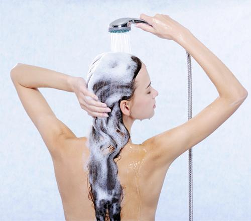 7 cách giúp lấy lại mái tóc bóng mượt như lụa 1