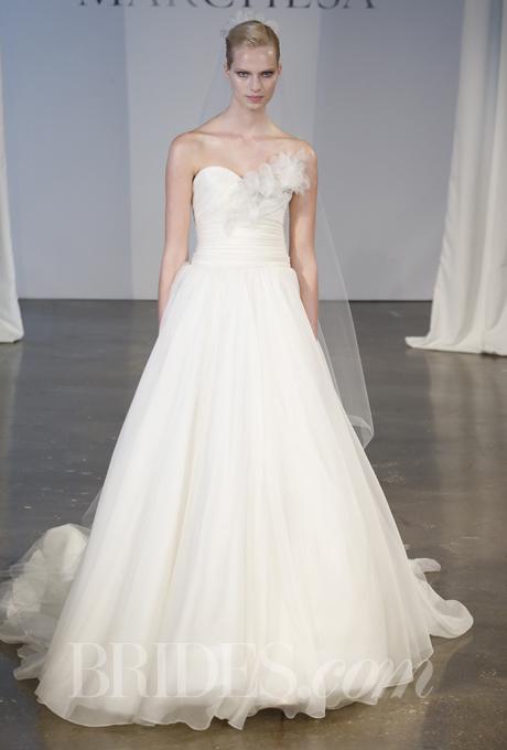 """""""Đã mắt"""" với BST váy cưới Xuân/Hè 2014 của Vera Wang & Marchesa 26"""