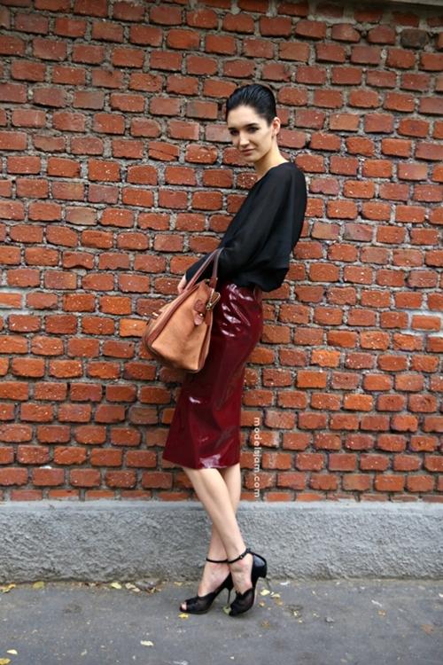 Những cách phối đồ thu thanh lịch với chân váy bút chì midi 11