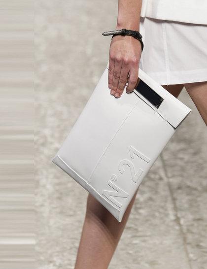 7 xu hướng túi nổi bật tại Tuần lễ thời trang Xuân/Hè 2014 15