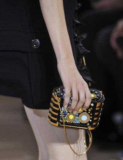 7 xu hướng túi nổi bật tại Tuần lễ thời trang Xuân/Hè 2014 41
