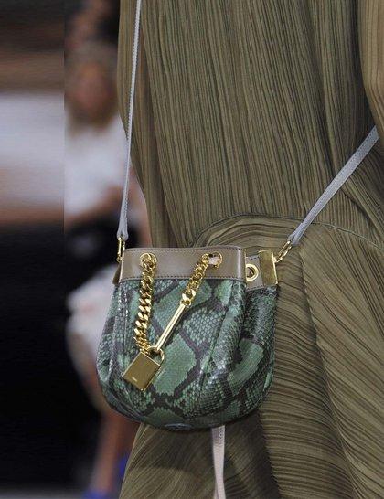 7 xu hướng túi nổi bật tại Tuần lễ thời trang Xuân/Hè 2014 42